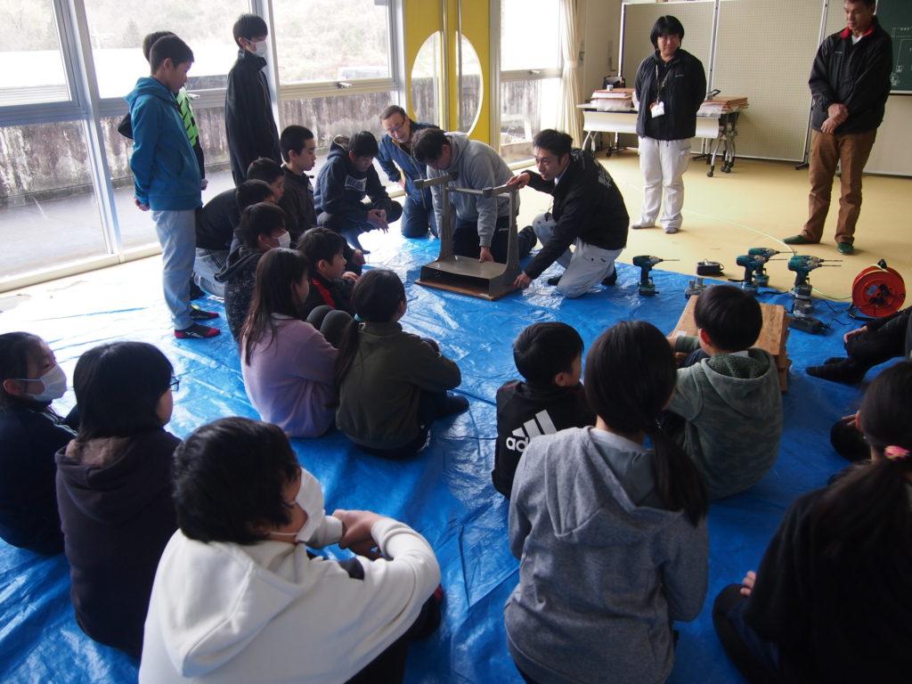 アベマキ学校机プロジェクト