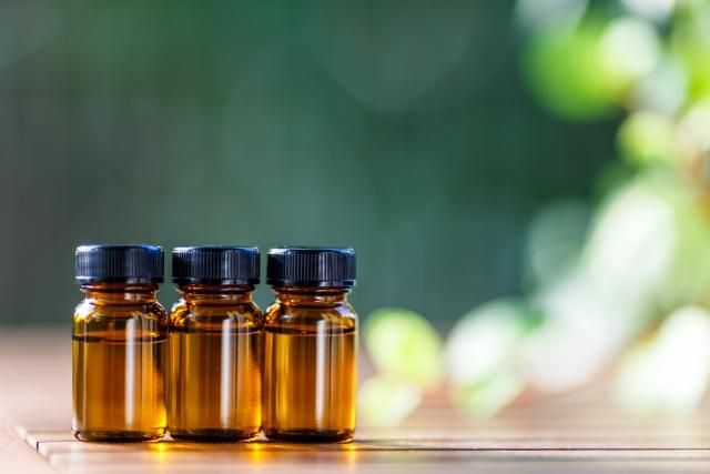 アロマ,精油,木の香り