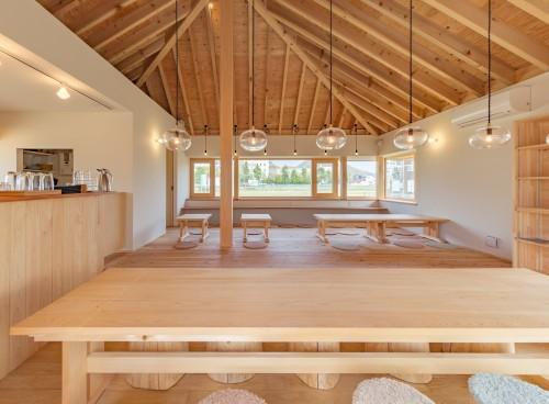 木漏れ日のような温かみに心ときほぐされるカフェ&設計事務所「五木の森」